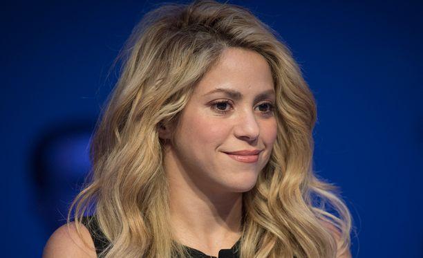 Shakira julkaisi uutta musiikkia.
