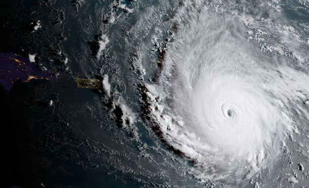Irma-hurrikaani on voimistunut viidenteen eli korkeimpaan kategoriaan.