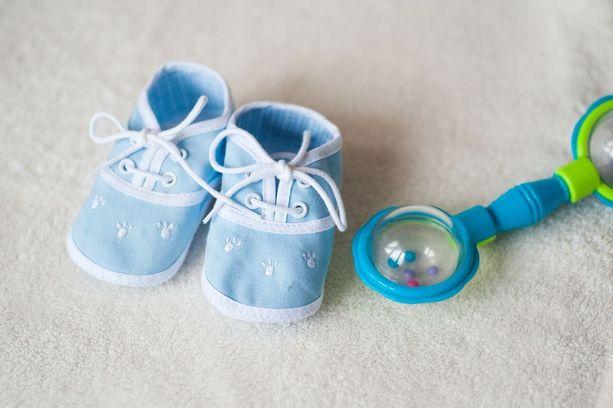 Keskenmenon vuoksi sairauslomaa voisivat saada sekä äiti että tämän puoliso.