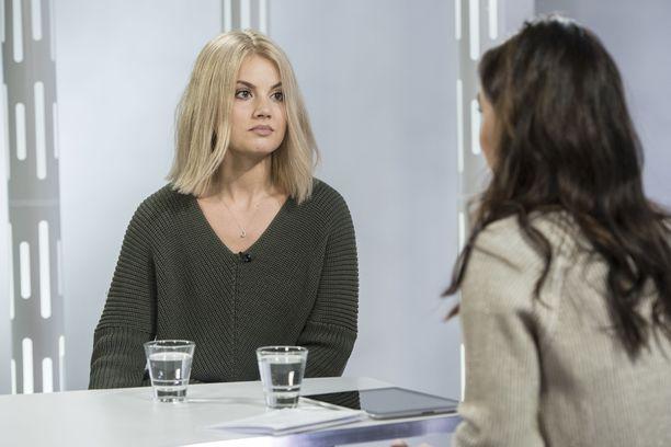 Janni Hussi vieraili Sensuroimaton Päivärinta -ohjelmassa.