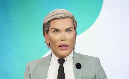 Ihmis-Ken vannoo, että kauneusleikkaukset saavat nyt riittää.