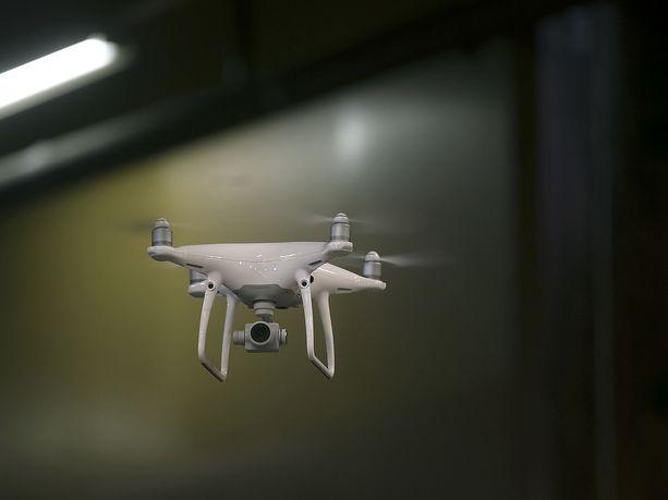 1.1.2020 dronen lennättäminen muuttuu säädellymmäksi.