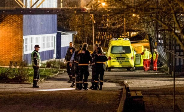Norjassa etsitään edelleen maan eteläosassa kahden puukotussurman tekijää tai tekijöitä.