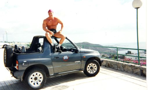Tero Suominen Espanjassa 1990-luvulla. Hän kertoo, että steroidit haettiin alkuun apteekista.