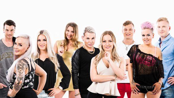 Hottikset eli Tommi (vas.), Jonna, Rosanna, Anni, Juha, Martta, Daniel, Suvi ja Niko.