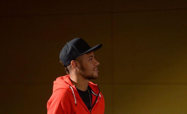 Neymarin siirtovyyhdin puinti jatkuu oikeudessa.