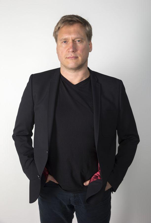 Näyttelijä-laulaja Samuli Edelmann kertoo Helsingin Sanomille, että isä Toni Edelmannin kuolema on ollut elämän kovimpia paikkoja.
