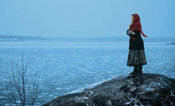 Myrskyluodon Maija kuvaa suomalaisen naisen elämää ja itsenäistymistä 1800-luvun Ahvenanmaalla.