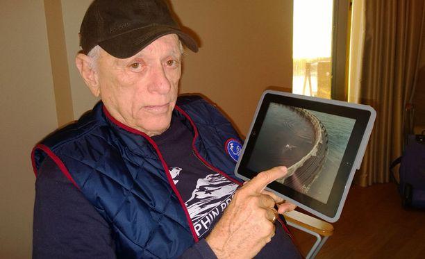 76-vuotias O' Barry on ollut delfiinien kouluttajana jo 50 vuotta.