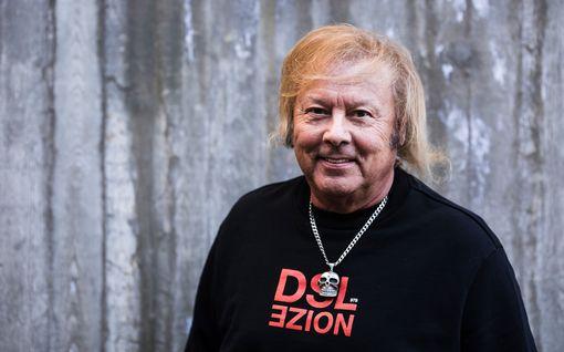 Yllätyspaluu keikkalavoille! Danny 79 vuotta – puhuu nyt suoraan ikääntymisestä