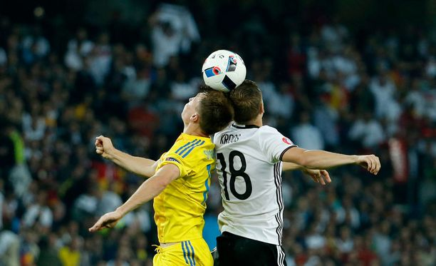 Ylellä EM-matsien selostuksista ovat vastanneet tähän mennessä Matti Härkönen, Jari Haapala sekä Tero Karhu. Kuva eilisestä Saksa–Ukraina-ottelusta.