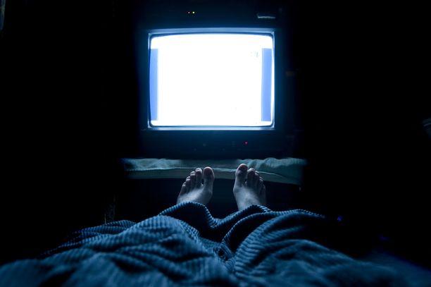 Valolle altistuminen yöaikaan voi häiritä elimistön vuorokausirytmiä.