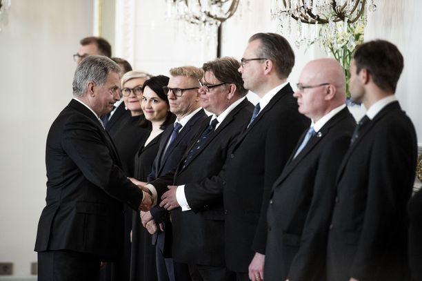 Tähän hetkeen päättyi Timo Soinin ura ulkoministerinä ja kotimaan politiikassa.