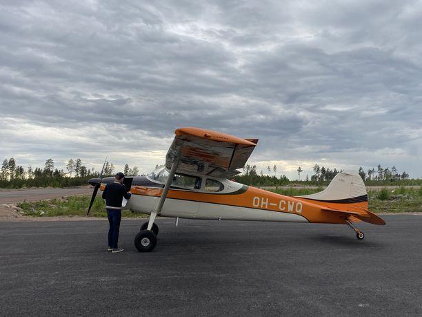Pyhtään lentokenttää käyttävät pienkoneet, helikopterit ja droonit.