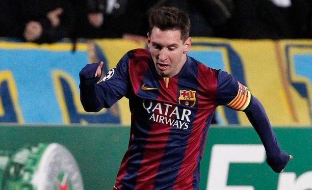 Lionel Messi saattaa viilettää ensi kaudella vaakaraitapaidassa.