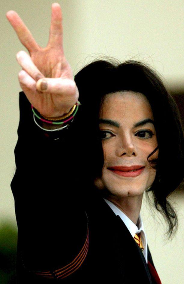 Jacksonin kerrotaan vaihtaneen uskontokuntansa ja nimensä.