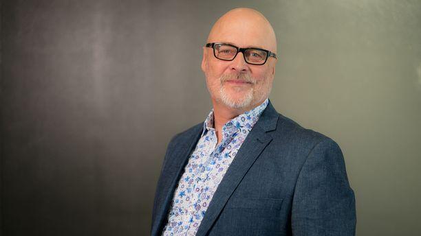 Ensitreffit alttarilla -asiantuntija Tony Dunderfelt kertoo, että ohjelman viidennellä kaudella on eniten puhetta erotiikasta.
