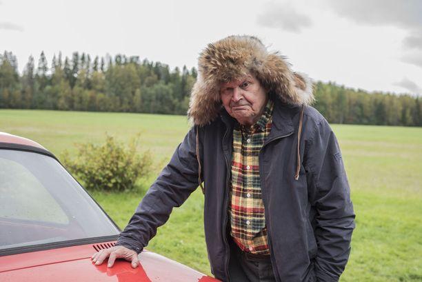 Heikki Kinnunen kiittelee elokuvan työryhmän tekemisen meininkiä.
