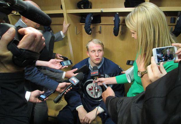 Patrik Laine on saavuttanut nopeasti fanien suosion Winnipegissä.