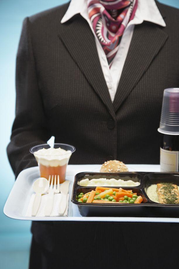 Lentokoneruoasta kiinnostuneet kuvaavat ja arvostelevat lennoilla syömänsä ateriat nettiin.