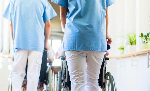 Hoitokotien käytännöt ovat olleet vahvasti luupin alla viime päivinä. Kuvituskuva.