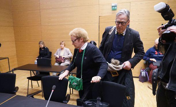 Pirkko Jalovaaran syytteiden käsittely alkoi torstaina Helsingin käräjäoikeudessa.