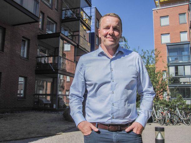 Petri Varis on siirtynyt kiekkokaukaloista yritysmaailmaan.