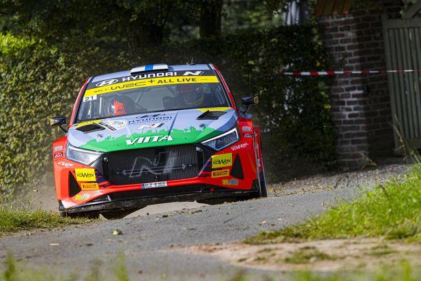 Jari Huttunen ajaa Jyväskylässä Hyundailla WRC2-luokassa.