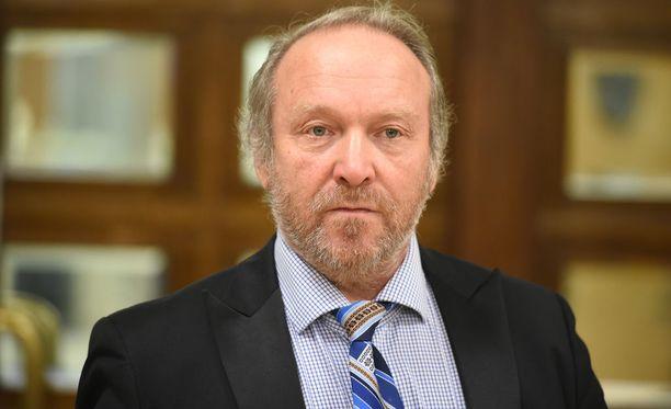 Teuvo Hakkarainen on perussuomalaisten toinen varapuheenjohtaja.