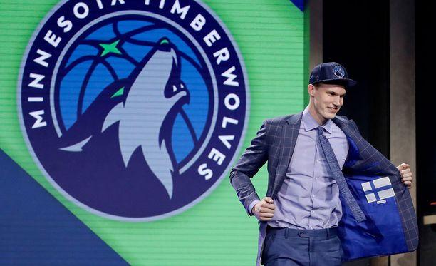 Lauri Markkanen varattiin historiallisen alhaisella varausnumerolla NBA:han.