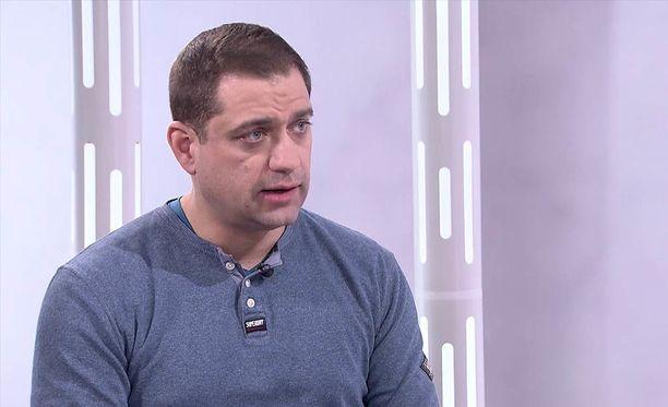 A-klinikkasäätiön johtava ylilääkäri Kaarlo Simojoki on vastustanut avoimesti kannabiksen laillistamista.