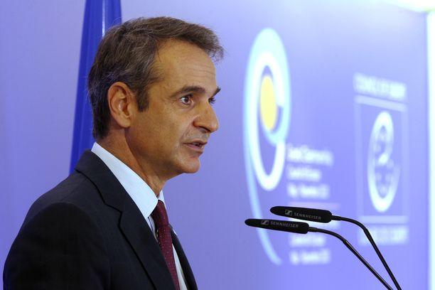 Pääministeri Kyriákos Mitsotákis otti kovat toimet käyttöön.