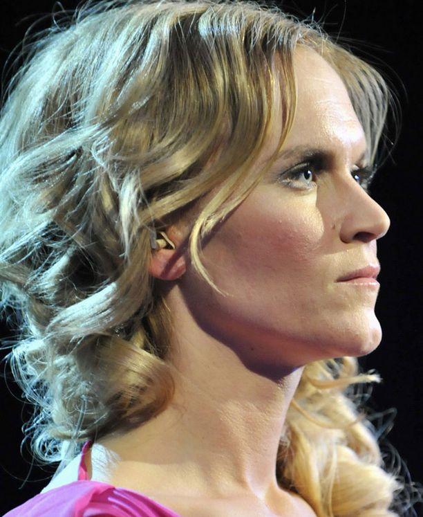 Kristiina Komulainen liikuttui kuunnellessaan Helsingin kuoron esitystä.