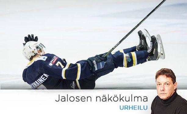 Urho Vaakanainen pelaa vielä toistaiseksi Bluesissa.