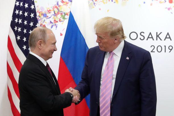 Vladimir Putin ja Donald Trump tapasivat G20-kokouksessa Osakassa Japanissa viime vuonna.