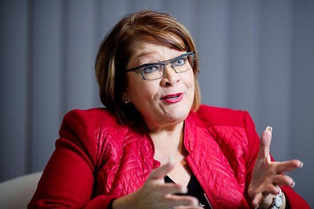 Pamin puheenjohtaja Ann Selin tärväsi mahdollisuutensa kilpailukykysopimussähläilyssä.