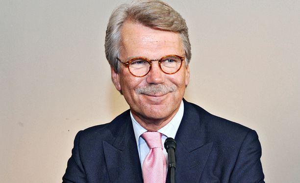 Ruotsiin kirjoille muuttaneen Björn Wahlroosin perilliset voivat säästää perintöveroissa jopa yli sata miljoonaa euroa.