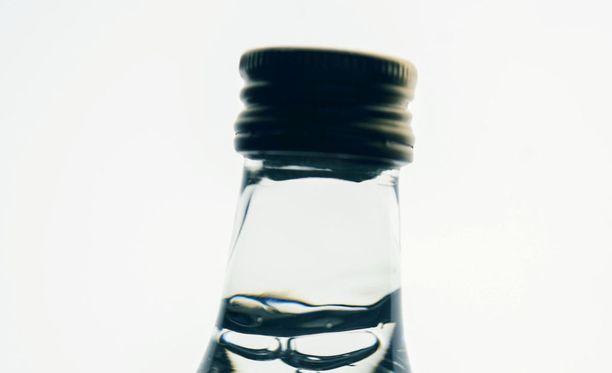 Mies salakuljetti yksin ja muiden rikoskumppaneidensa kanssa Virosta Suomeen yli 2 000 litraa alkoholia.