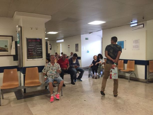 Paikallisen Sao Josen sairaalan ensiavussa on voipunut tunnelma.