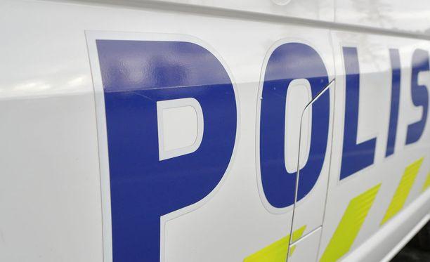 Lounais-Suomen poliisin mukaan muutamiin kiinteistöihin murtauduttiin Kiikalassa ja Kiskossa viikonlopun aikana.