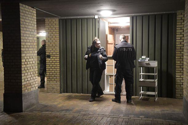 Poliisi suoritti etsintöjä Kööpenhaminassa Valbyn kaupunginosassa. Poliisi ei ole vahvistanut, että etsinnät liittyivät suuroperaatioon.