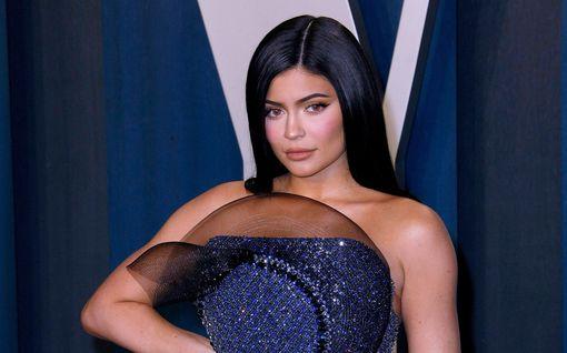 Kylie Jenner otti uuden tatuoinnin - taas tyttärensä Stormin kunniaksi
