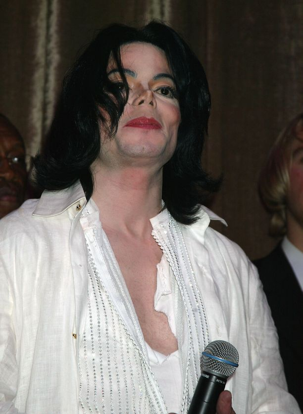 Edesmenneestä Michael Jacksonista tehty dokumentti puhuttaa.