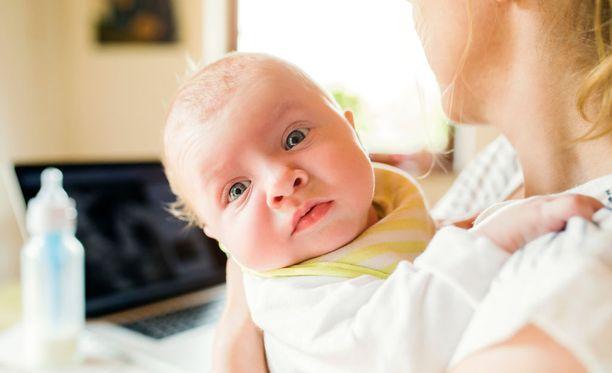 Kuura Healthin tiimin kehittämä automaattinen neuvola auttaa pian terveyspulmien kanssa pähkäileviä perheitä netissä. (Kuvituskuva.)