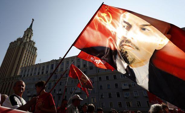 Myös Vladimir Iljitš Lenin oli kaivettu nahtaliinista eläkeiän nostoa vastustamaan.
