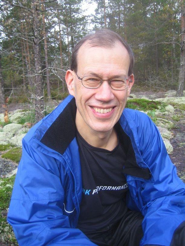 Professori Timo Strandberg on ainakin yhdestä asiasta täysin samaa mieltä Antti Heikkilän kanssa: on hyvä halata kaikkia perheenjäseniä ainakin kerran päivässä.