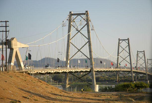 Rekan pysäytyksessä sillalla Mosambikin Tetessä tehtiin järkyttävä ruumislöytö. Kuvituskuva Sambesi-joelta Tetestä.