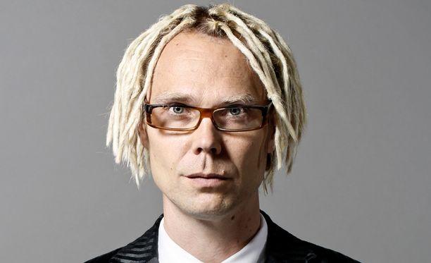 Iltalehden tietojen mukaan RKP:n ehdokkaaksi on lähdössä ex-poptähti, menestysyhtye Raptorin riveistä tuttu Jufo Peltomaa.