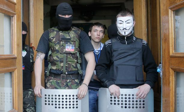 Donetskin ja Slovjanskin separatistien välillä on erimielisyyksiä, joita yritetään selvitellä.