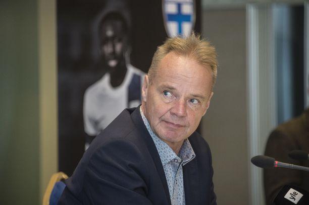 Juha Malinen käskytti Pikkuhuuhkajat voittoon Ukrainasta.